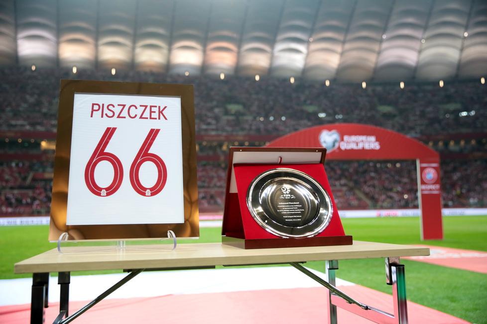 Eliminacje Euro 2020. Polska - Słowenia. Łukasz Piszczek pożegnał się z kadrą. Wzruszające sceny w Warszawie (galeria)