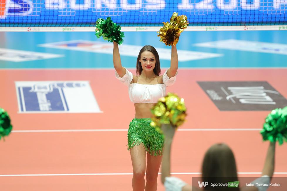 Cheerleaderki na meczu w Zawierciu (galeria)