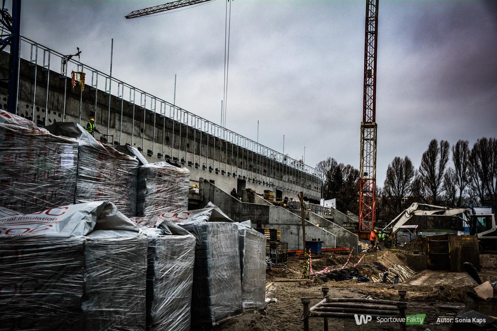 Żużel. Trwa budowa nowej trybuny na stadionie Polonii Bydgoszcz (galeria)