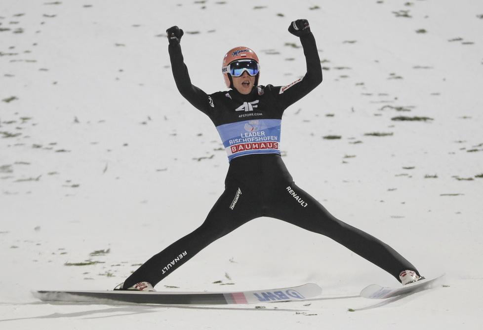 Skoki narciarskie. TCS. Ze złotym orłem mu do twarzy. Tak Dawid Kubacki świętował wygraną
