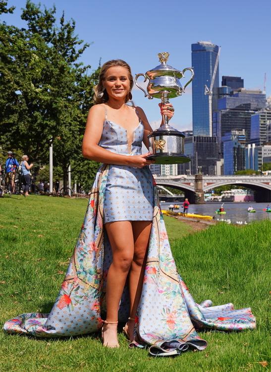 Tenis. Sofia Kenin mistrzynią Australian Open. Piękna sesja zdjęciowa Amerykanki (galeria)