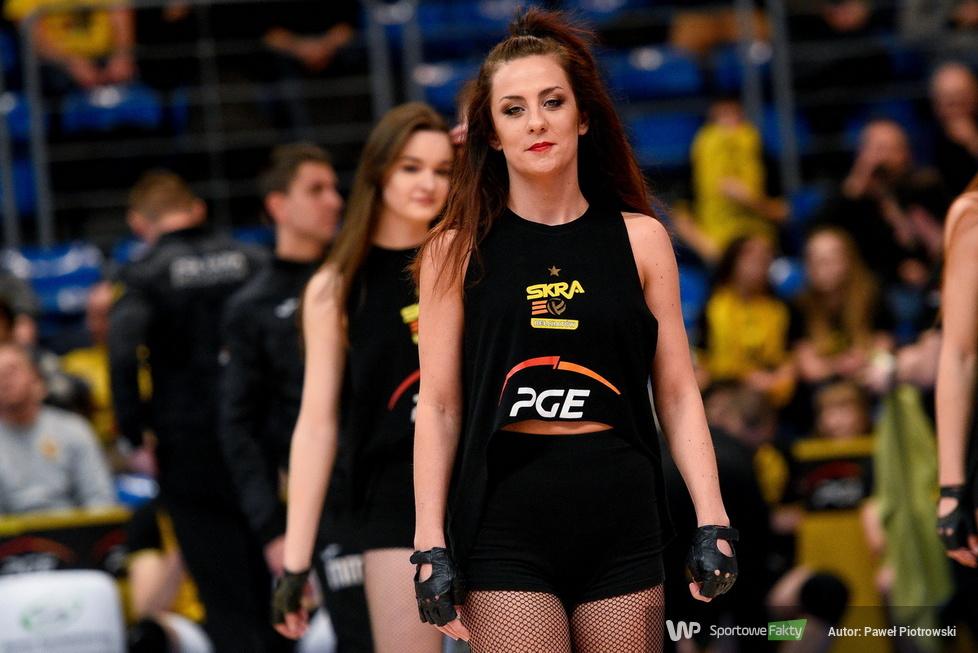Plusliga: Cheerleaders Bełchatów zatańczyły w Bełchatowie podczas meczu PGE Skry z Treflem Gdańsk (galeria)