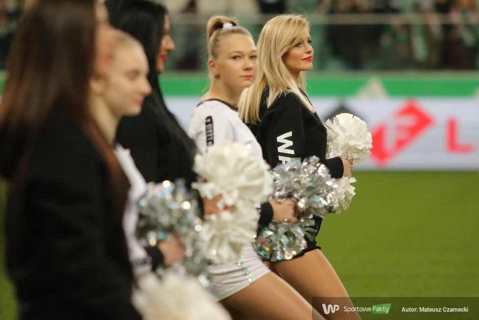 Cheer Angels Cheerleading Academy na meczu Legia Warszawa - Jagiellonia Białystok (galeria)