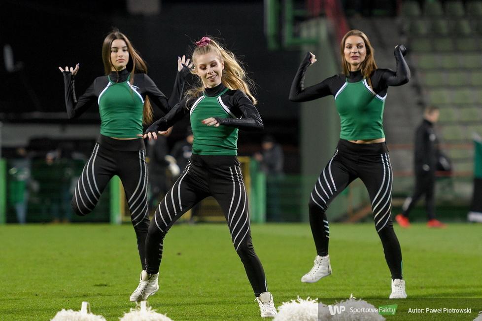 Fortuna 1 liga: Występ Cheerleaders Bełchatów podczas meczu GKS Bełchatów z GKS Jastrzębie (galeria)