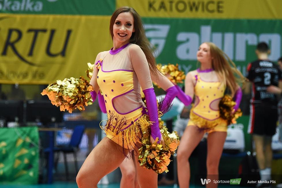Występ Cheerleaders Ergo Śląsk podczas meczu Aluron Virtu CMC Zawiercie - Asseco Resovia Rzeszów (galeria)