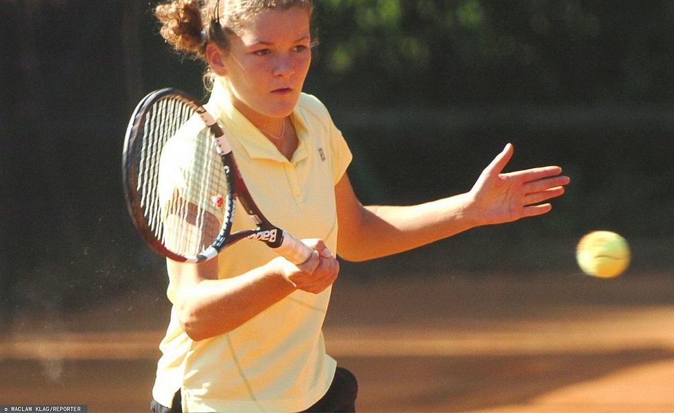 Agnieszka Radwańska w 2005 roku podczas turnieju w Krakowie. Tenisistk...