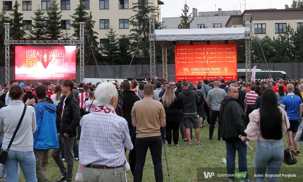 Cracovia świętowała z kibicami zdobycie Pucharu Polski [GALERIA]