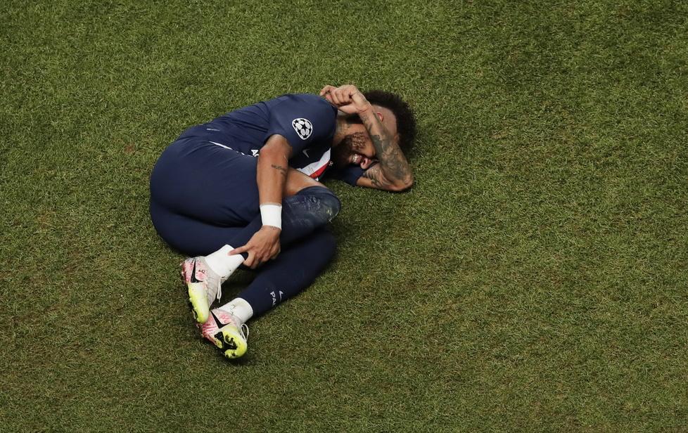 Liga Mistrzów. PSG - Bayern. Zrozpaczony Neymar. Mocno przeżył porażkę w finale (zdjęcia)