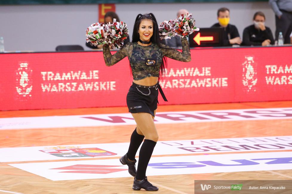 Cheerleaders na meczu Legia - MKS (galeria)