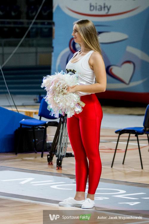 Cheerleaders Toruń podczas spotkania Polskiego Cukru Toruń z Zastalem Zielona Góra [GALERIA]