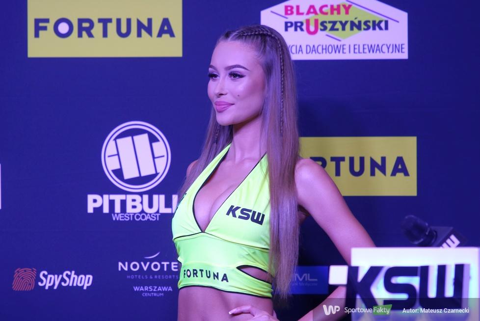 MMA. Ceremonia ważenia przed KSW 55 w Warszawie (galeria)