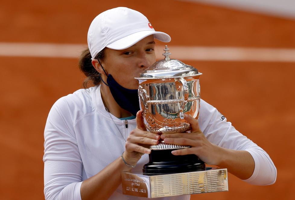 Tenis. Iga Świątek mistrzynią Rolanda Garrosa! Ceremonia dekoracji (galeria)