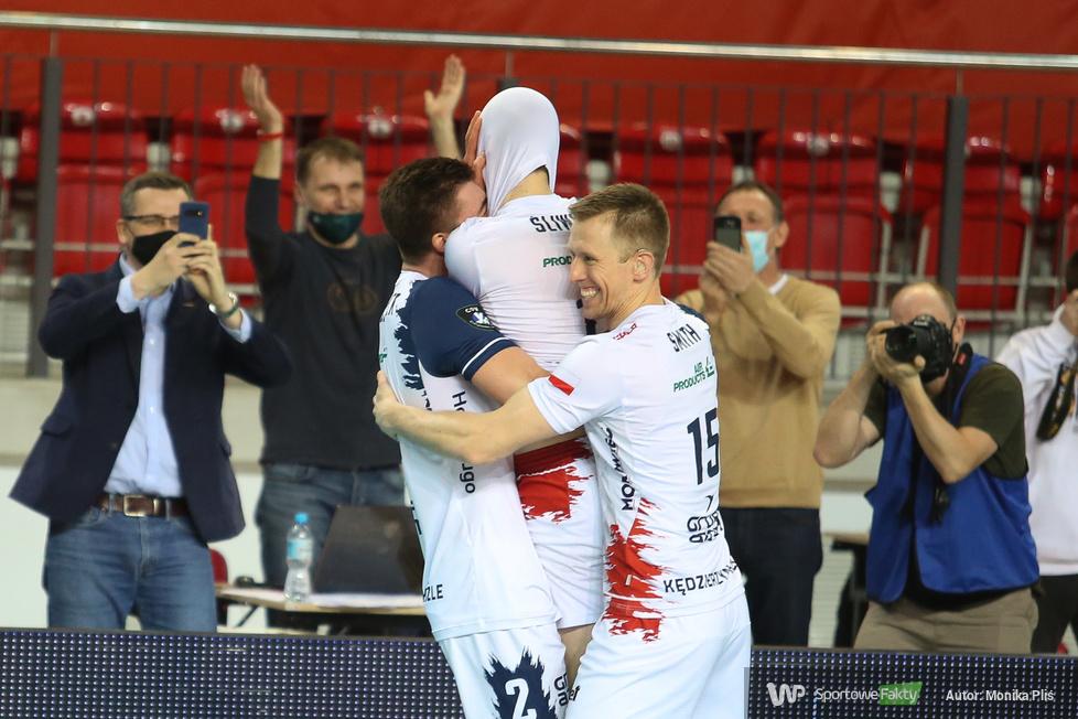 Liga Mistrzów: 1/2 Finału : Grupa Azoty ZAKSA Kędzierzyn-Koźle  - Zenit Kazań  2:3. Złoty set 15:13 [GALERIA]