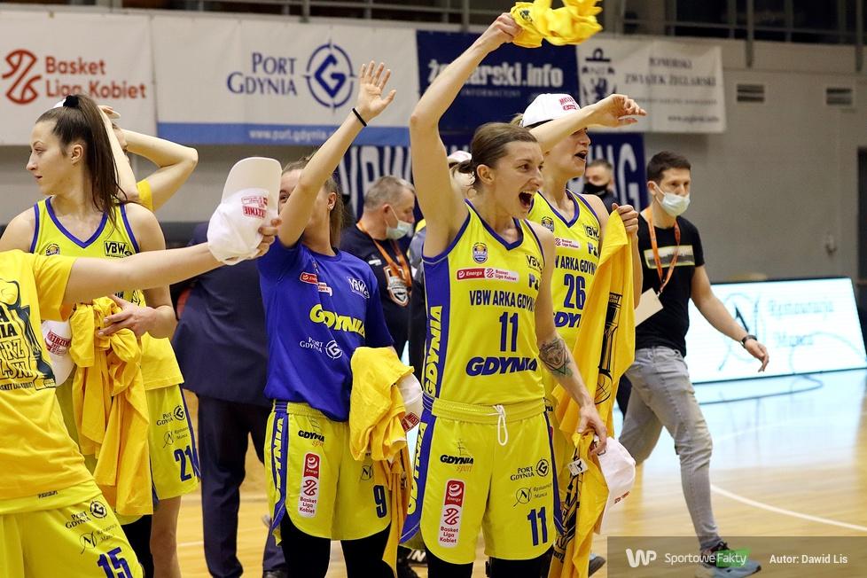 Dekoracje po finale Energa Basket Ligi Kobiet [GALERIA]