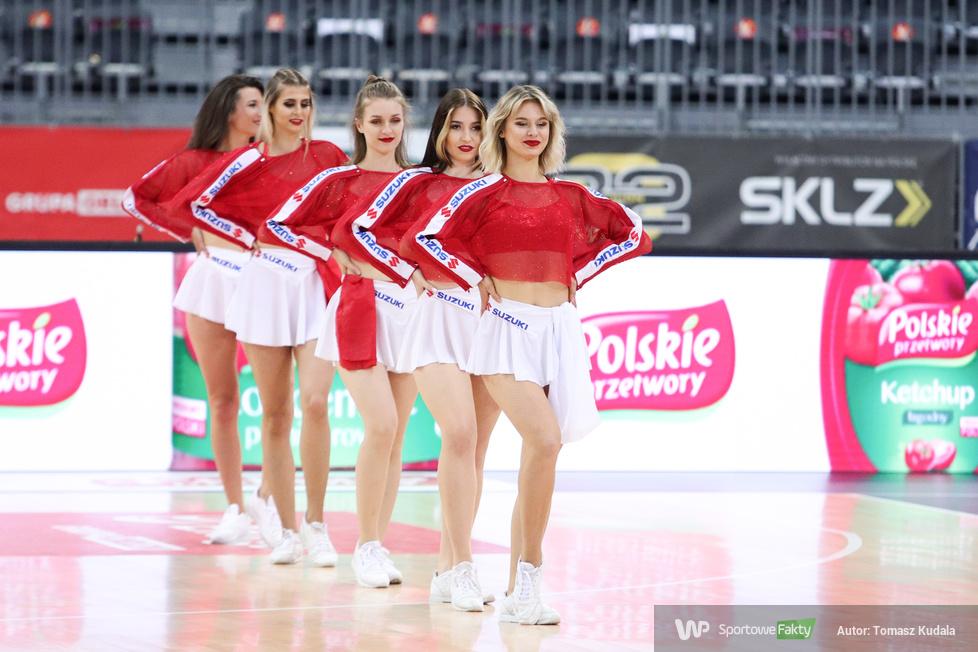 Cheerleaderki na meczu Polska - Tunezja (galeria)