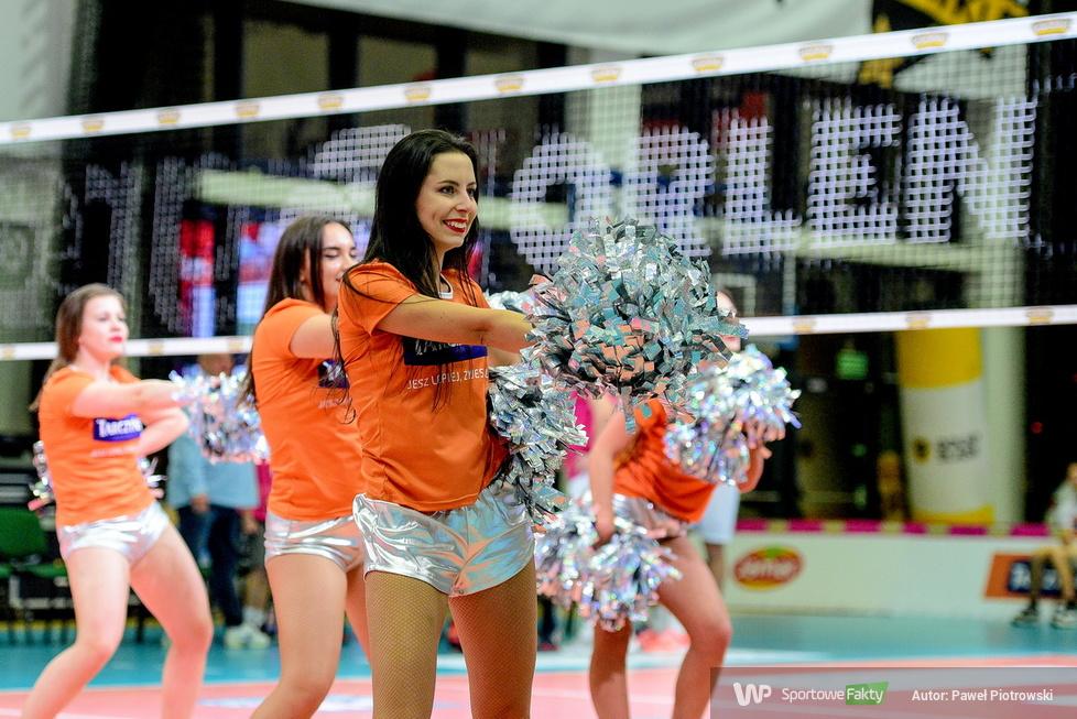 Giganci Siatkówki 2021: Glow Cheerleaders w akcji na Gigantach siatkówki (galeria)