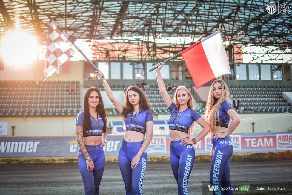 To one rozgrzewają atmosferę podczas meczów. Oto piękne Polonia Girls! [GALERIA]