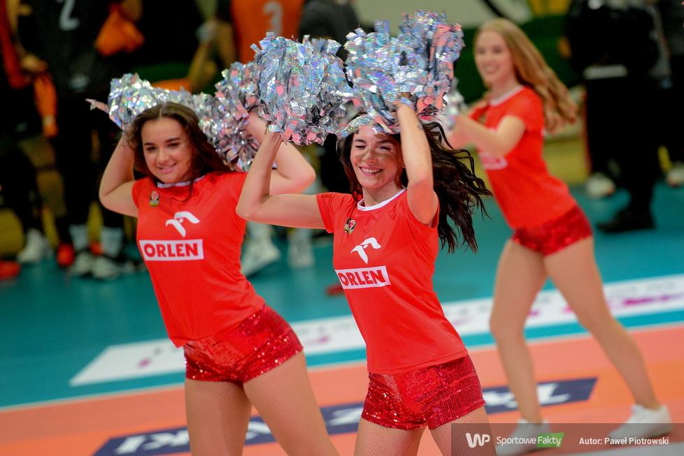 Giganci Siatkówki 2021: Glow Cheerleaders układy taneczne Gigantach siatkówki (galeria)