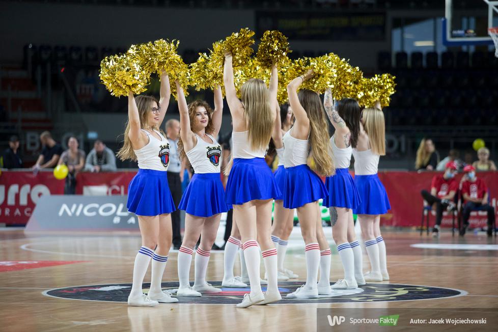 Cheerleaders Toruń na meczu Twarde Pierniki Toruń - PGE Spójna Stargard [GALERIA]