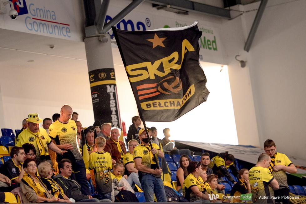 Plusliga: Kibice na trybunach podczas meczu PGE Skra Bełchatów - Indykpol AZS Olsztyn (galeria)